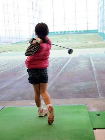 ダウンベストでゴルフ